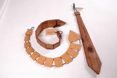 la-cravatta-e-meglio-se-e-di-legno-L-xieRUf